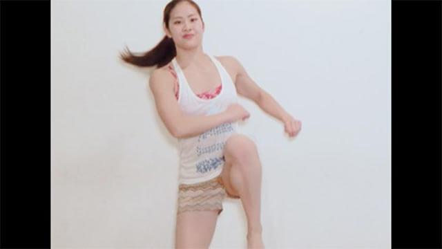 1分簡単!お腹痩せダイエット!くびれを作るエアロビクス運動!