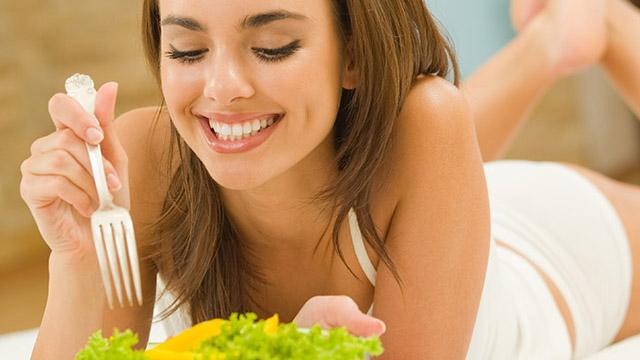 コンビニ食でダイエット「選び方でダイエットに適した食品になる?」