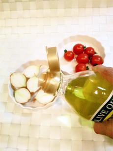 ダイエットのためのお弁当「トマトとペコロスのグリル」-02