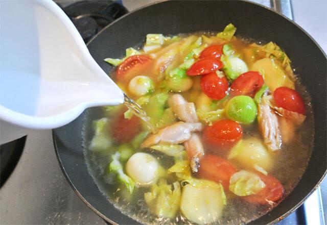 トマトとコロコロ野菜のコラーゲンスープの簡単レシピ-12