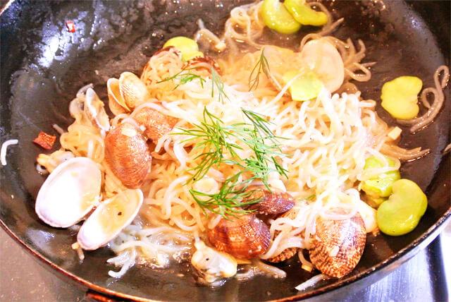 簡単にできるダイエットレシピ「あさりと空豆のペペロンチーノ風」-11