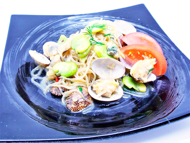 簡単にできるダイエットレシピ「あさりと空豆のペペロンチーノ風」-12