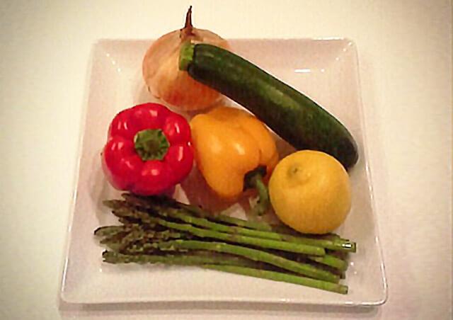 簡単ダイエットレシピ「夏野菜のさっぱりマリネ」-01