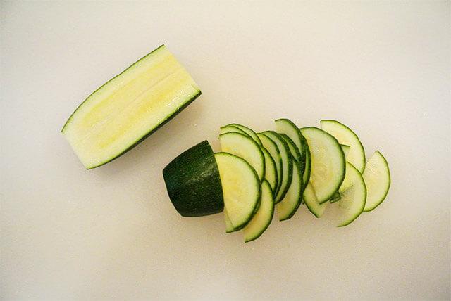 簡単ダイエットレシピ「夏野菜のさっぱりマリネ」-05