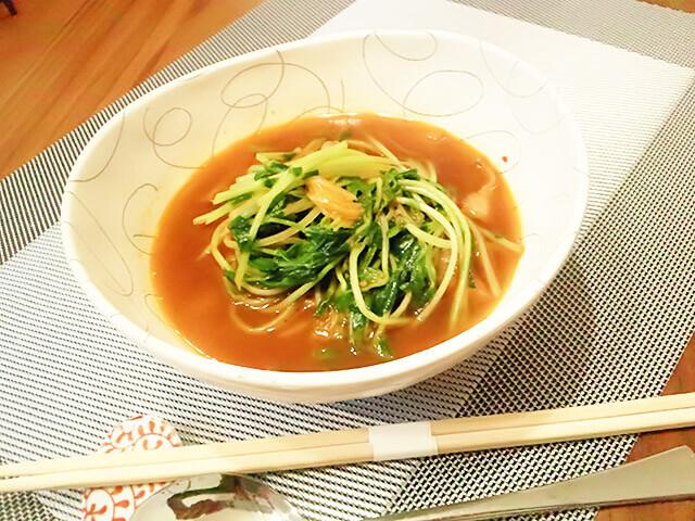 簡単ダイエットレシピ「豆苗のシャキシャキHOTスープ」-01