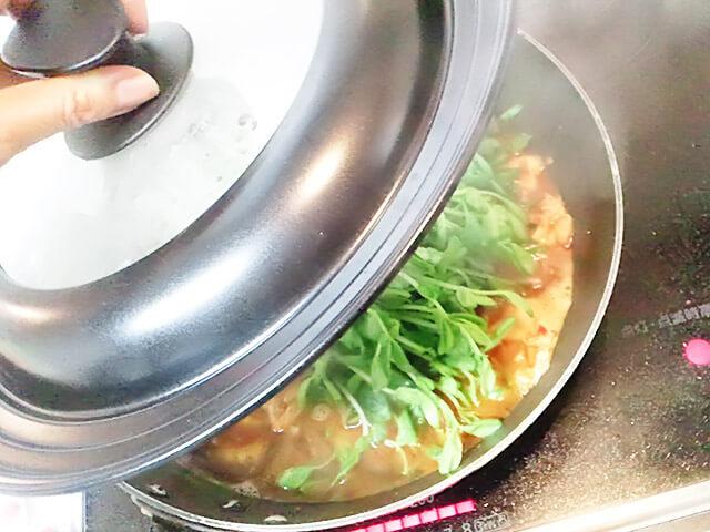 簡単ダイエットレシピ「豆苗のシャキシャキHOTスープ」-09