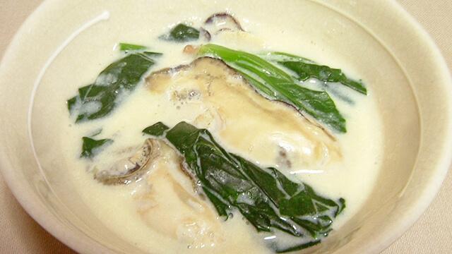キレイになるためのレシピ「かきとほうれん草の豆乳スープ」