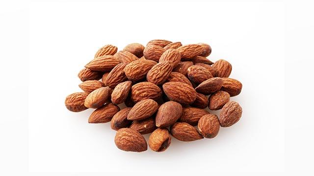 健康な体を手に入れるために!アーモンドの栄養素など詳しく解説!