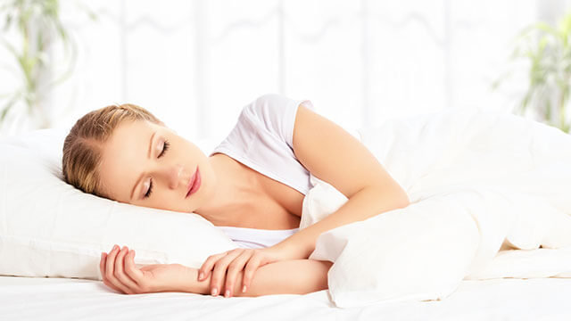 快適な睡眠をとるために!香りや色が睡眠に与える影響