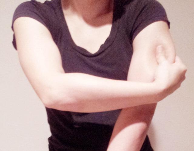 二の腕を痩せるために!簡単にできる二の腕マッサージ!-13