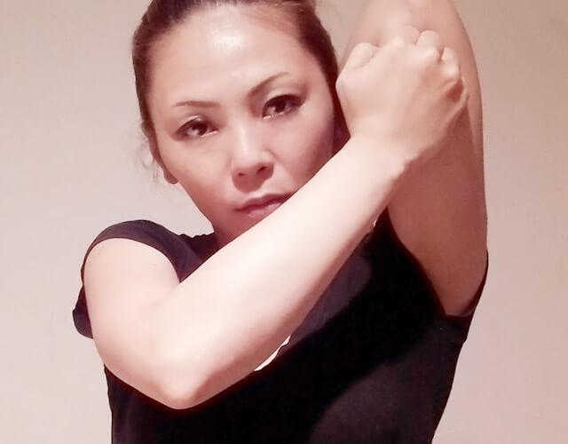 二の腕を痩せるために!簡単にできる二の腕マッサージ!-15