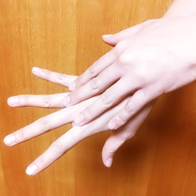 腕のむくみ・セルライト対策に効果的な腕マッサージのやり方-04
