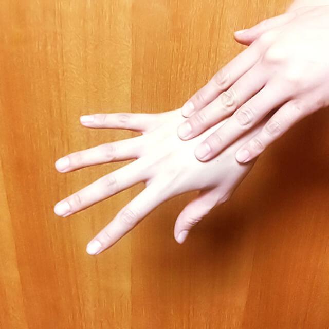 腕のむくみ・セルライト対策に効果的な腕マッサージのやり方-05