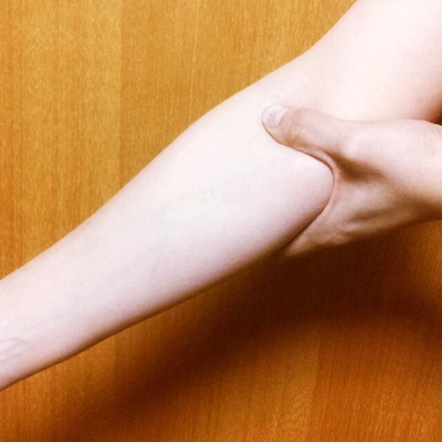 腕のむくみ・セルライト対策に効果的な腕マッサージのやり方-08