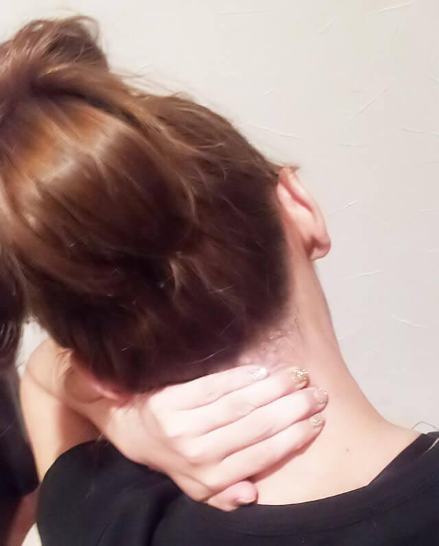 首が痩せるダイエット方法【首のマッサージ】②-02