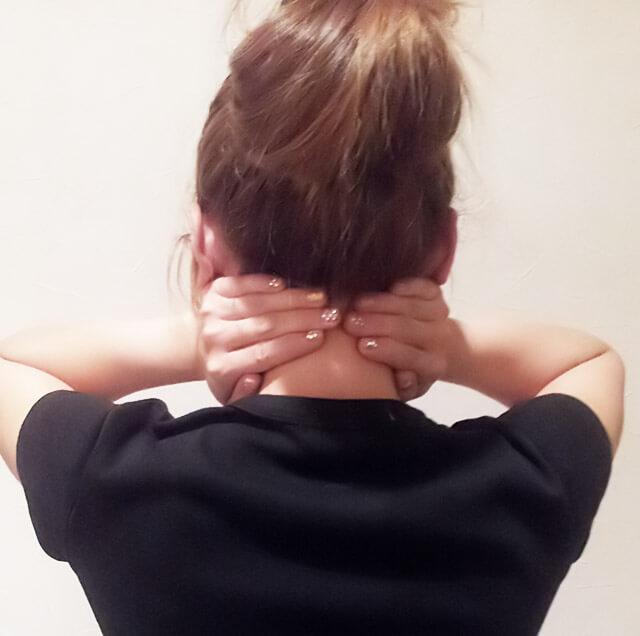 首が痩せるダイエット方法【首のマッサージ】③-02
