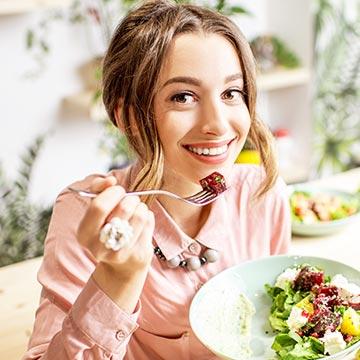 野菜から食べるダイエットは意味ない?胃の役割から分かるその理由