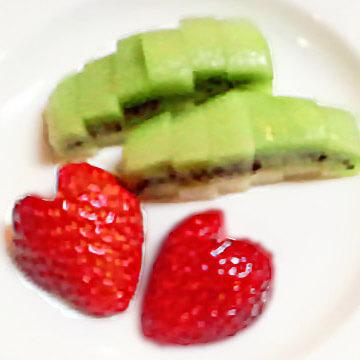 """""""痩せ弁当""""&クエン酸が脂肪燃焼力をUP「キウィとハートのイチゴ」"""