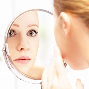 正しい産毛のお手入れ法&化粧のり&透明感をアップさせる方法