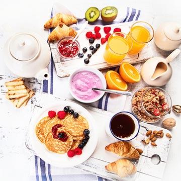 食事は栄養を摂取するだけではない?食事と健康の関係