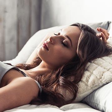 人の眠りは体内時計が作ってる?眠りのメカニズムとは?