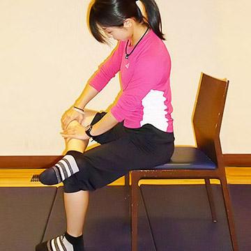 ブーツを履いた時のむくみ解消法「膝裏にあるリンパを流そう!」