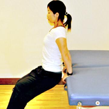 ベッドでできる二の腕引き締めトレーニング