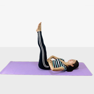 お腹を引き締めるレッグレイズ♪♪ぽっこりお腹や姿勢を改善出来るトレーニング
