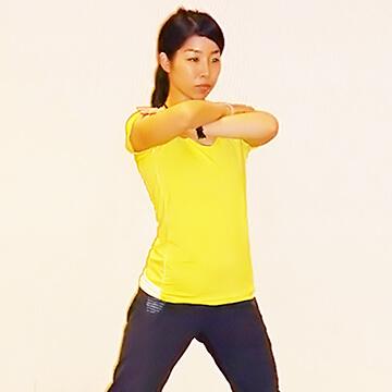 痩せるために鍛えるべき筋肉!「ベントオーバーサイドランジ」