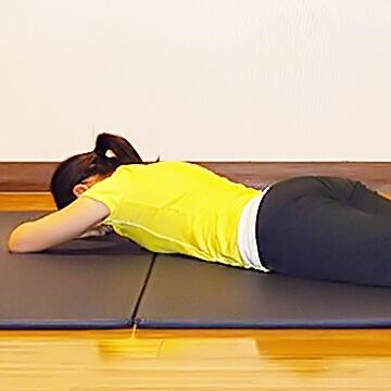 痩せるために鍛えるべき筋肉!「脚閉じ」