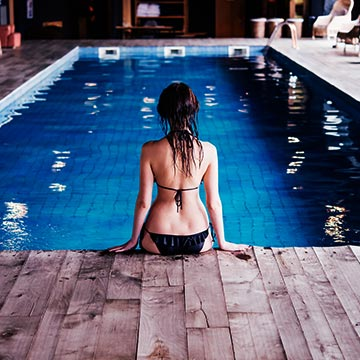 プールや海でダイエット!水中運動のメリットとは?