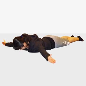 スマホ疲れに効くエクササイズ「プローンロウイング」