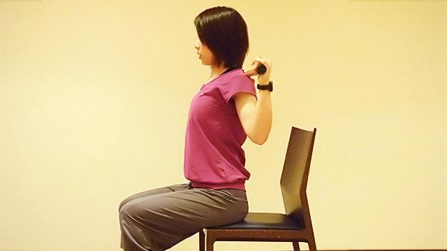 2週間でくびれを作る「座って脇腹エクササイズ」