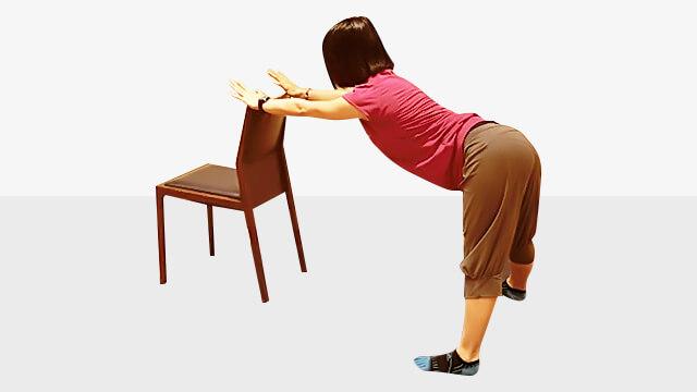 デスクワークしている人に!肩こり腰痛改善「バックストレッチ」-03