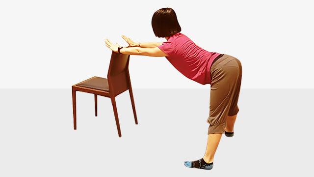 デスクワークしている人に!肩こり腰痛改善「バックストレッチ」