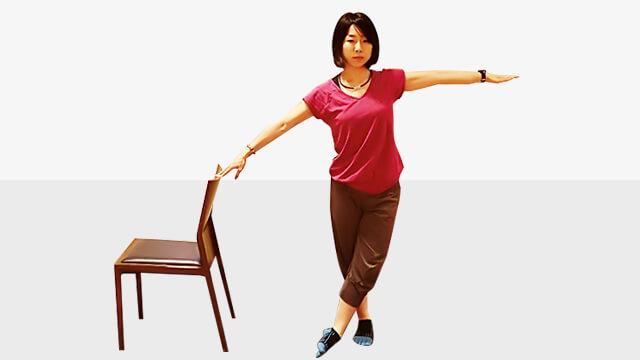 デスクワークしている人に!肩こり腰痛改善「アップ&オーバー」-02