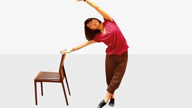デスクワークしている人に!肩こり腰痛改善「アップ&オーバー」-03