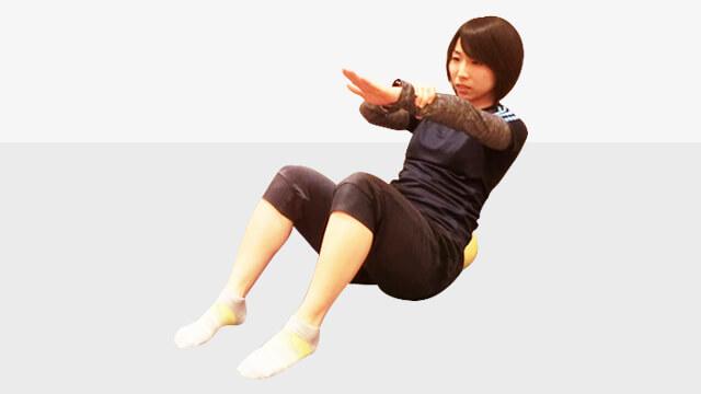 正月太りは早めに撃退!くびれを作る簡単V字ツイスト-01