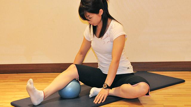 膝美人になろう!「クッションを使ってトレーニング」