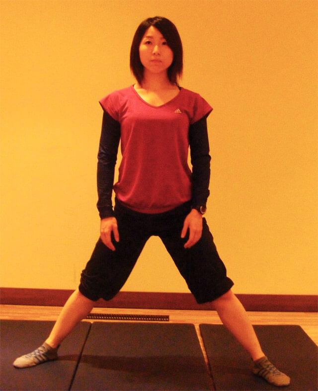 「内ももストレッチ」内ももを鍛えて美脚になる方法-01