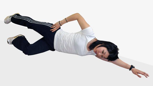おうちで寝転がってできる太ももの外側シェイプアップ-01