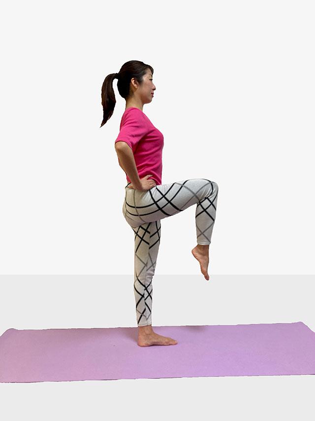 「ホームトレーニング」③隙間時間に簡単片足もも上げエクササイズ_05