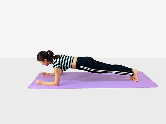 お腹を引き締めるプランク♪♪ぽっこりお腹や姿勢を改善出来るトレーニング_04