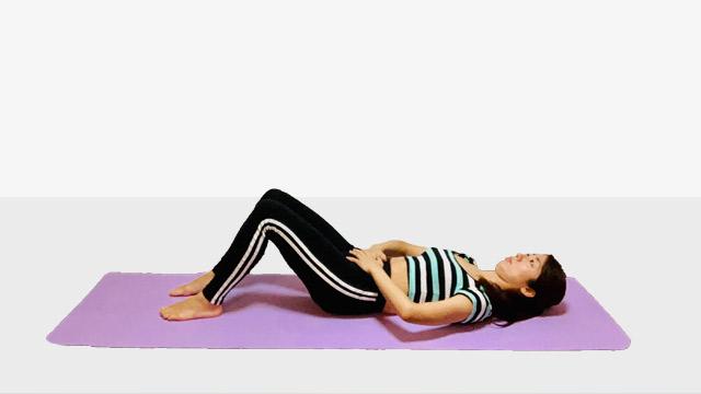 お腹を引き締めるクランチ♪♪ぽっこりお腹や姿勢を改善出来るトレーニング