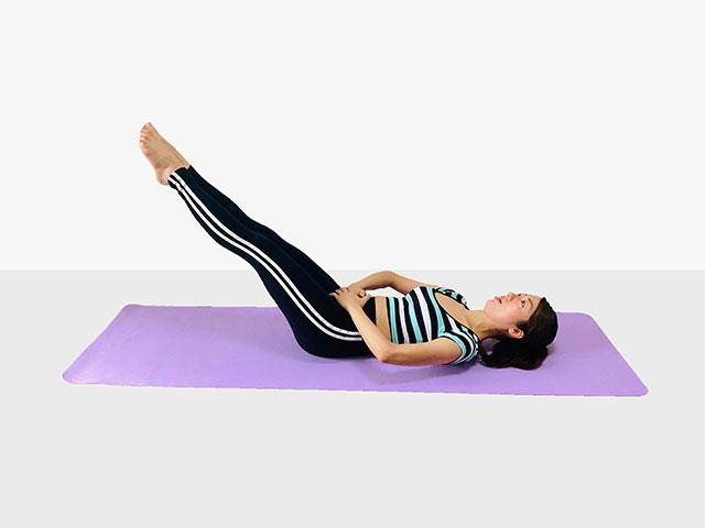 お腹を引き締めるレッグレイズ♪♪ぽっこりお腹や姿勢を改善出来るトレーニング_04