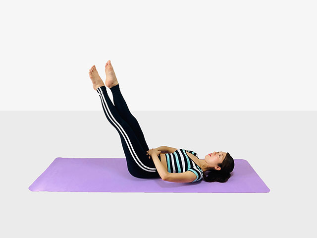 お腹を引き締めるレッグレイズ♪♪ぽっこりお腹や姿勢を改善出来るトレーニング_06