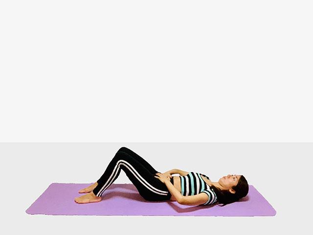 お腹を引き締めるバイシクルクランチ♪♪ぽっこりお腹や姿勢を改善出来るトレーニング_01