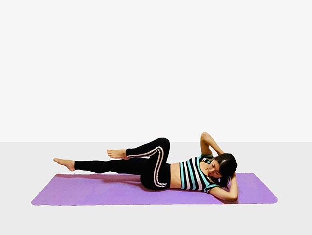 お腹を引き締めるバイシクルクランチ♪♪ぽっこりお腹や姿勢を改善出来るトレーニング_06