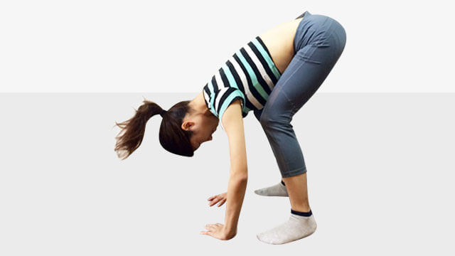 脚を長く見せるために鍛えるべき筋肉①脚裏エクササイズ-02