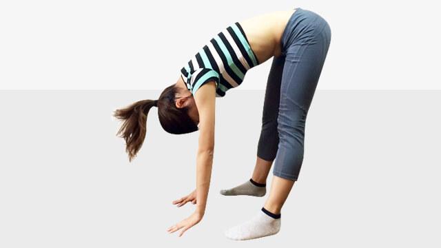 脚を長く見せるために鍛えるべき筋肉①脚裏エクササイズ-06